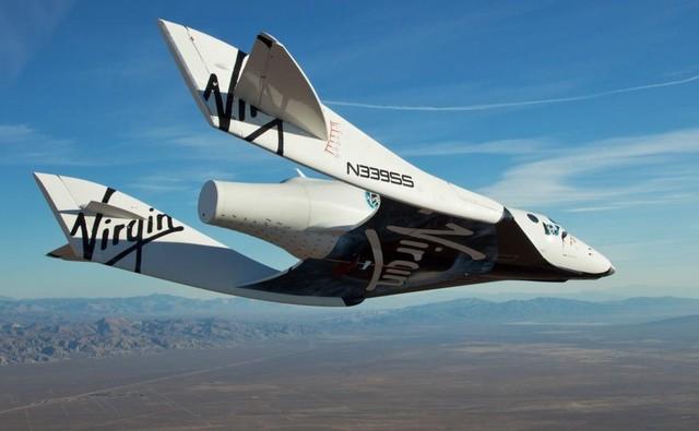 spaceshiptwo10102010_glide03