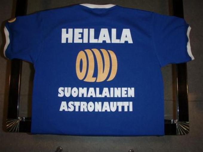 Suomalainen Astronautti T- paita  c9817a9f36