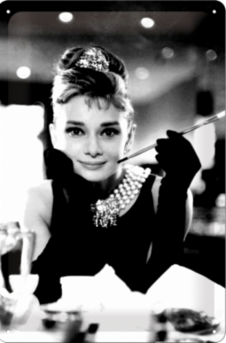 AUDREY-HEPBURN-CAMEO-MEDIUM-MEDIUM-SIZE-METAL-SIGNS.jpg&width=400&height=500