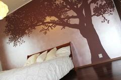 Kirsikkapuu makuuhuoneessa 348