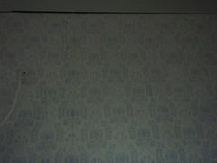 Suurikuvioinen, käsinpainettu paperitapetti