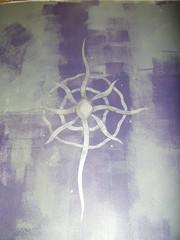 Kahden värin seinälle sabluunakuvio