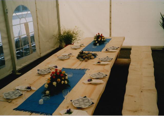 Odotellaan kaupunkimme 350vuotis juhlavieraita kimpisessä ( vip-teltta)