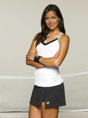ana-ivanovic-casual-1_display_image.jpeg