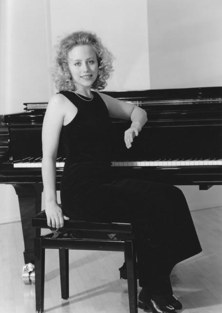 Terhi Dostal (née Jääskeläinen) , pianist