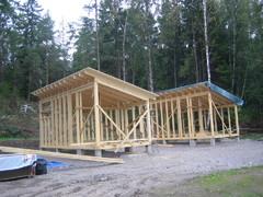 Uudet mökit rakennusvaiheessa