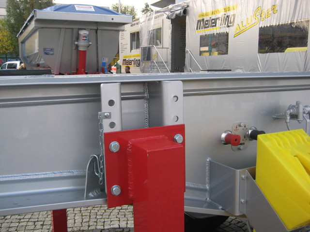 Alumiinirunko perävaunussa