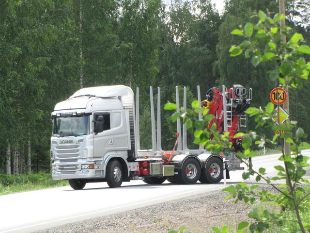 Scania ja Terminator XXL pankot + Timbermaxx varustepaketti.