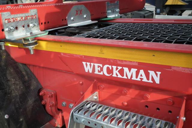 Weckmanin sisäpuolinen teline.