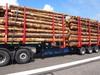 UPM testasi yli 76 tonnia painavia ja yli 25,25 metriä pitkiä HCT-ajoneuvoyhdistelmiä (High Capacity Transport) Lappeenrannan lentokentällä tiistaina 25.6.2013