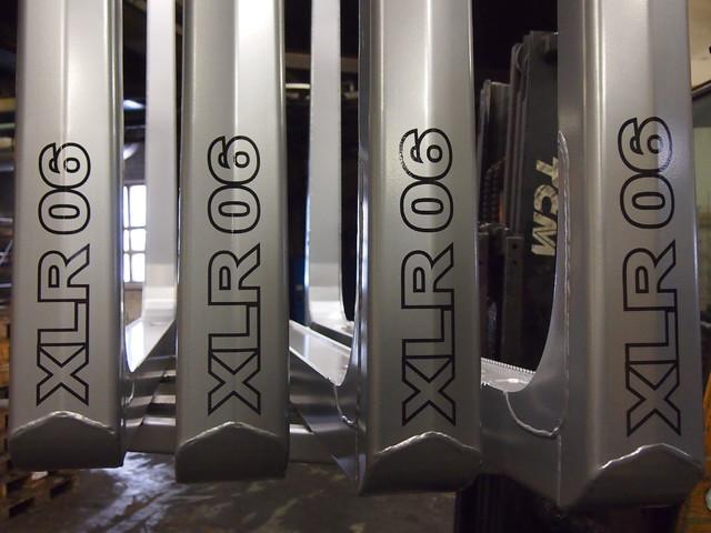 Terminator XLR 06 on Terminatorsarjan vientimalli kolmansiin maihin.Valmistuksessa on yksi lujuusluokka ja korkeusmitta rajoittuu lujuutensa vuoksi 2750 tolppapituuteen.