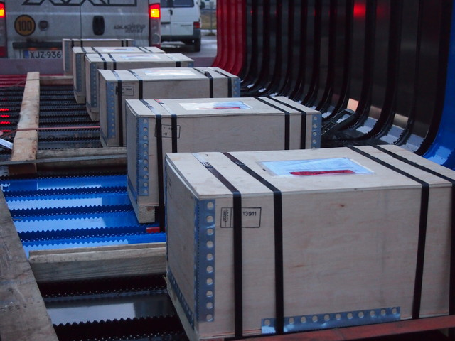 Terminator XXL toimituspaketti : 4 kpl XXL pankkoa kiinnikesarjoineen sekä XX Express toimitus 24 h / 7vrk.