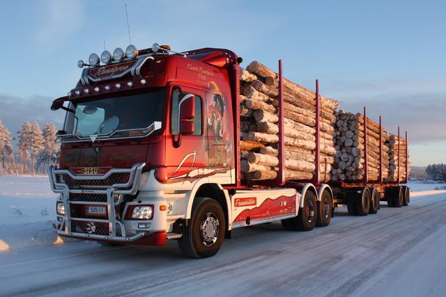 64 tonninen PunahilkkaSisu.