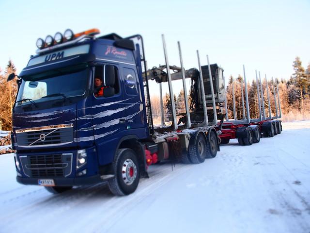 Raution Volvokanta lisääntyy nyt viikonvaihteessa yhdellä neliakselisella. Pankoiksi se saa Terminator XXL 11 pankkosarjan metallihopeisina.