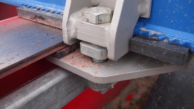 Exten M-sarjalaisesta tuttu kiinnikesäätö ja nyt 20 mm palautettu kiinnikepultti.
