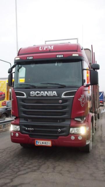 Scanian aeromuotoilu on hyvä puutavara-auton kokonaisaerodynamiikan kannalta.