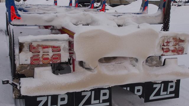 """Lumi muotoilee kanttipinnat ja kerääntyy """"akanvirtoihin""""."""