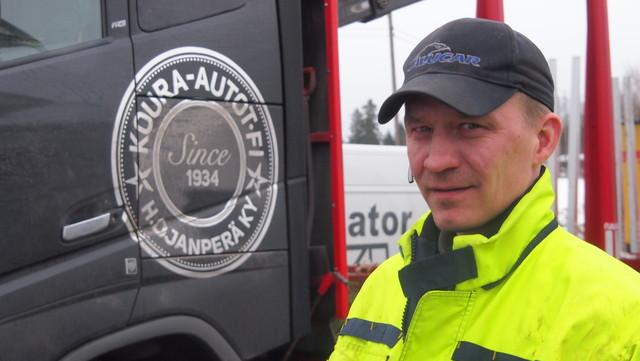 Toni Sarajärvi on Kuusamon mies Uuraisilla ja Koura-Autojen Volvon puikoissa.