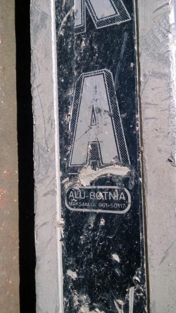 Pankkomalli vuodelta 1976. Materiaaleina parhaat alumiinilaadut ja kesto sen mukainen.
