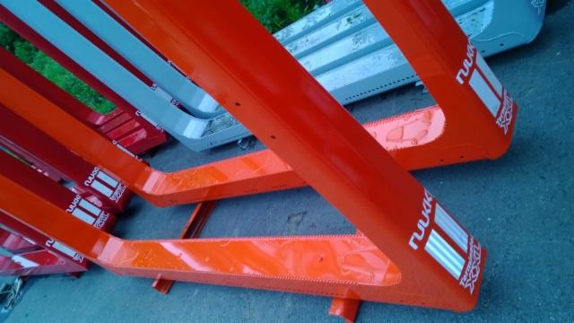 Olemme kopioineet Exteä . väri on asiakkaan tilaama RAL 2002 - Exten perusväri vuosikymmenten takaa.