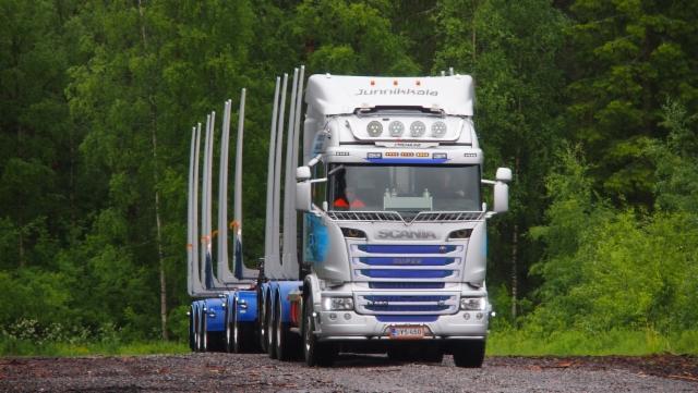 Jari Nikusen Scania-yhdistelmä on tehokas,tuottava ja tyylikäs.