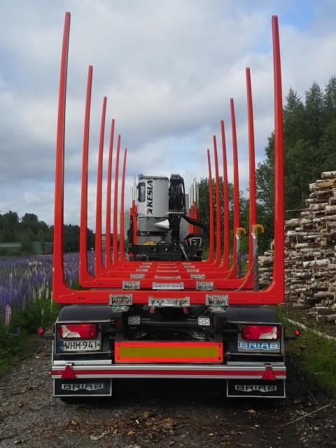 Mikko Sampan Scania yhdistelmän viisiakselinen 42 tonninen sai Terminointipäivityksen - kuormatila kasvoi aivan uuteen kokoluokkaan - XXL kokoluokkaan.