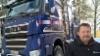 Veturinkuljettaja Jouni Forström pitää uutta Sisua puutavara-autojen ykkösenä.