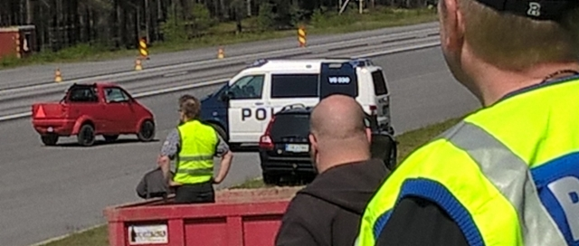 Erityyppisten pyöräalustaisten maantieajoneuvojen pysähtyvyysmahdollisuuden tstaus Alastarolla 25.5.2016.