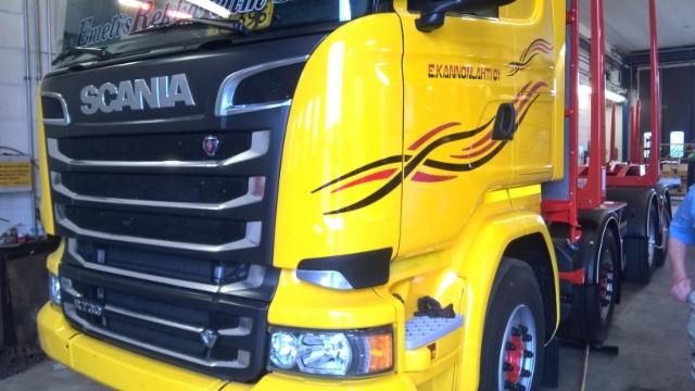 Scania on kevyt nelikko ja sen runkokorkeus on mahdollista valita matalaksi.