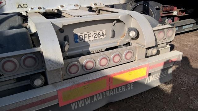 Perävaunuihin on tulossa uusia muotoja - AM Trailer ruotsi. Vaunun Exte A 9 pankot vaihtuivat tilavampiin Terminator XXL 11 CE pankkoihin.