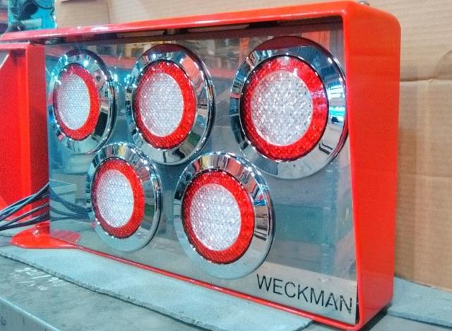 Weckman kehitti taas uutta ja autovarustelua palvelevaa.onivalopaketti on katsastusviranomaisten hyväksymä malli.