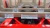 Pankonsiirtolaitteen hydraulisylinteri ja kuormankiristimet (ESSEMATIC) ovat tässä vaunussa samassa paketissa.