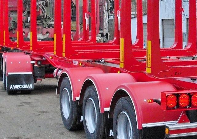 XLR 8 aero 3.25x2.55. Punainen RAL 3002