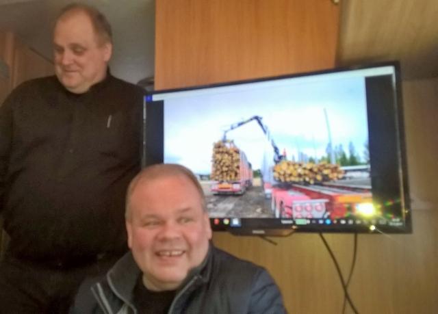 """KUORMATILAA - 2017 , Terminatorimiehet kiertävät tehdaskiertueella koko Suomi """"100 vuotta"""" - juhlavuoden ajan."""