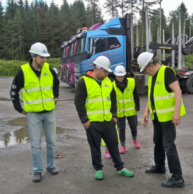 KUORMATILAA-2017,SUPERHEINÄKUUN,tarjoukset - XXL,XLR aero