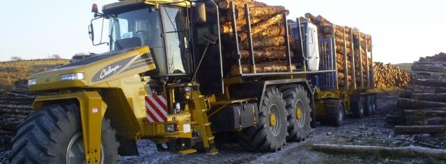 Raakapuunkuljetuslaitteet joissa on useita pyörillä varustettuja alhaisia ??paineita, vähentävät maaperän paineita alle puoleen tavanomaisesta ajoneuvoista, mikä mahdollistaa puutavaraa kaikkein vaikeimmista alueista.