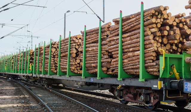 Junavaunujen niput kulkevat likimain sitomatta, kun on 100%:set liukuestetolpat.