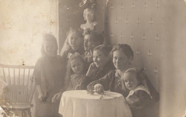 img perhekuva 1920-luvulta albumi_0002