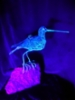 Gallinago, rautalankaveistos 2019, UV-taidetta