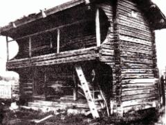 Tissarin talon luhtiaitta 1700-luvulta. Kuva: Anna-Lisa Lindelöf 1914.