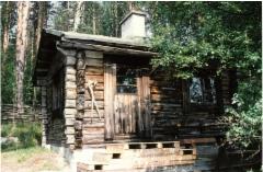Erkki Tissarin sauna Emäpajunlahden rannalla.