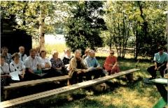 Sukukokoukseen 1993 osallistuneita.