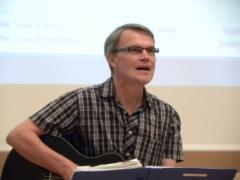 Pentti Saloranta laulaa Hiski Salomaan lauluja