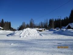 On sitä lunta Höytiällä, viime talvena.