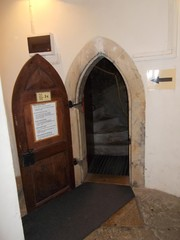 oleviste tornin ovi