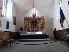 pyhän hengen kirkko alttari