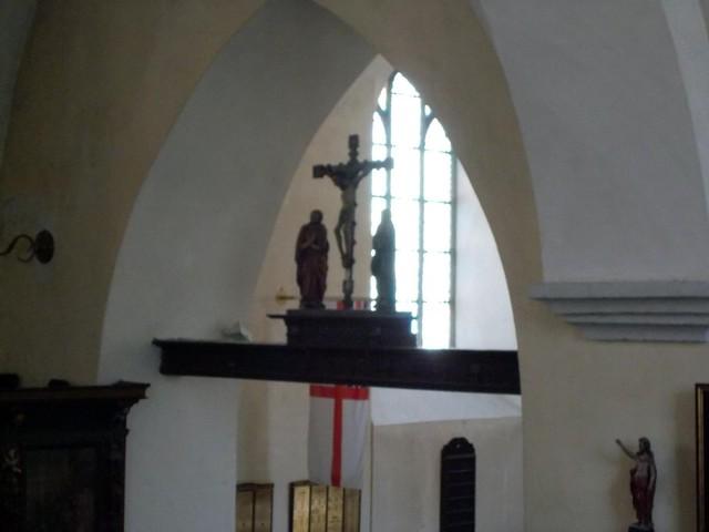 pyhän hengen kirkko krusifiksi
