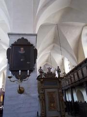 pyhän hengen kirkko pilari
