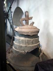 pyhän hengen kirkko vanha kello