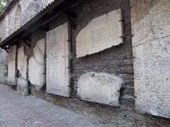 dominikaani hautakivet